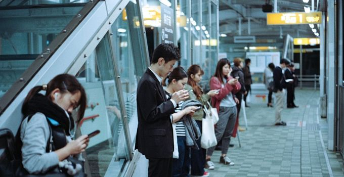 Five ways mobile learning helps onboarding staff