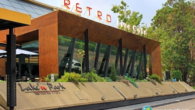 Retro Live cafe