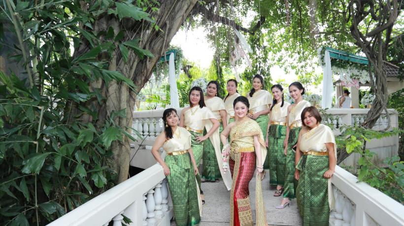 ลานต้นไม้ 100 ปี (White House) at Siam Park City (สวนสยาม)