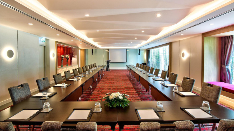 Mezza Conference Room