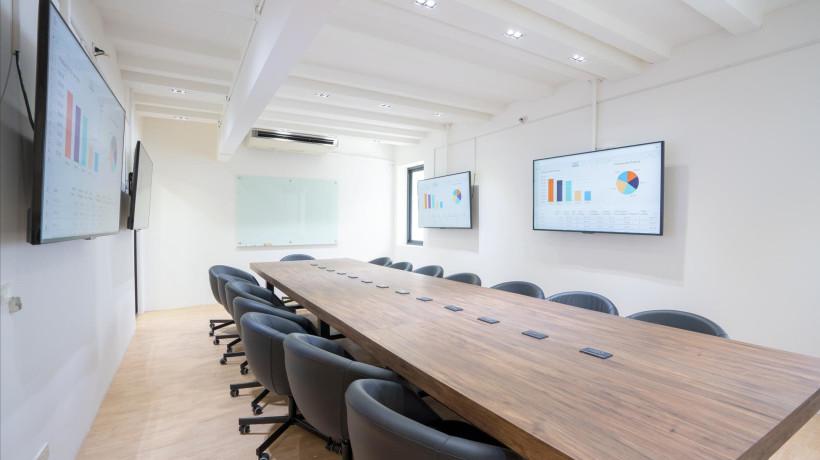 ห้อง Meeting Room/Workshop รองรับได้ 20 คน