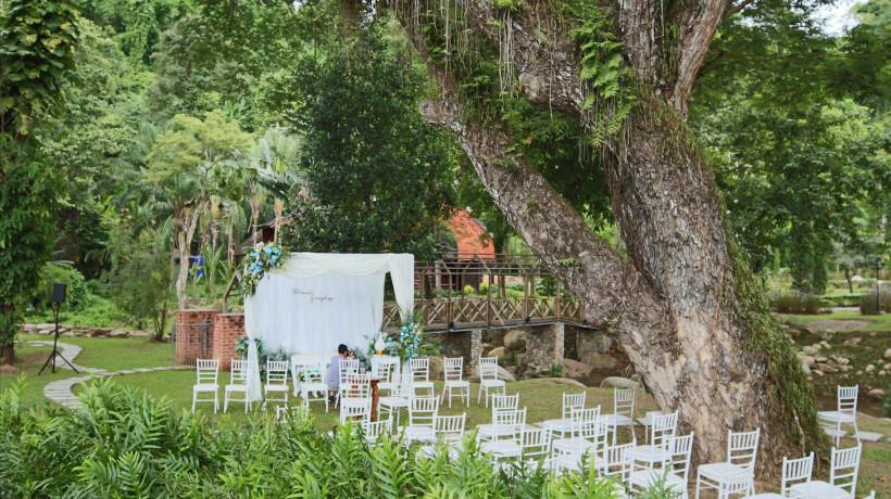 Pool Wedding