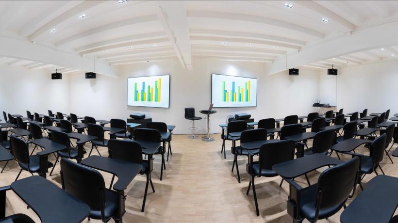ห้องสัมมนาขนาด 50-60 คน (เสริมเก้าอี้ได้ถึง 80 คน) Conference Rooms for 50-60 Participants (80 Maximum)