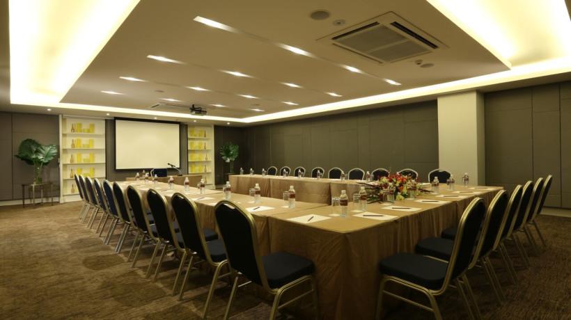 Laddawan Meeting Room