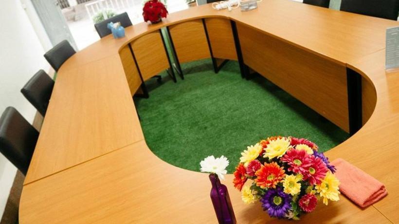 Long Table Room