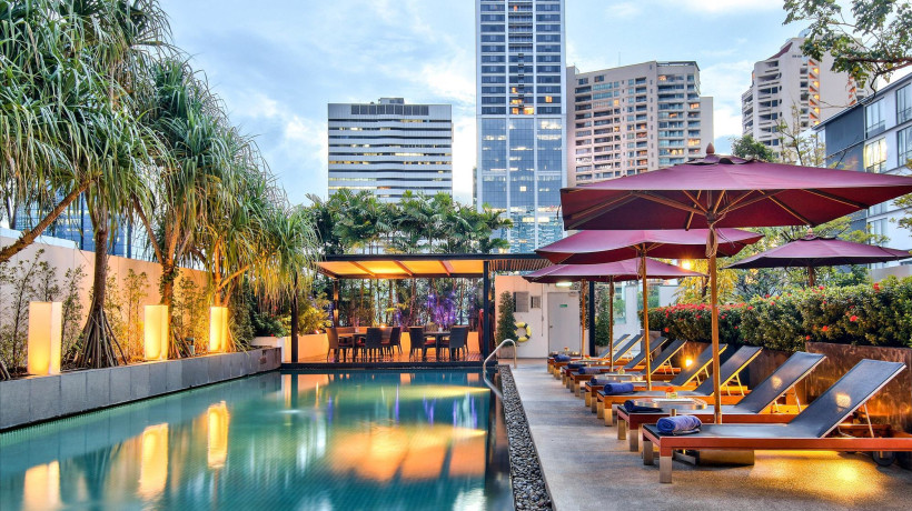 Sway Rooftop's Pool Bar
