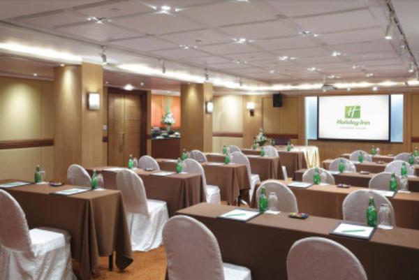 Emerald room III