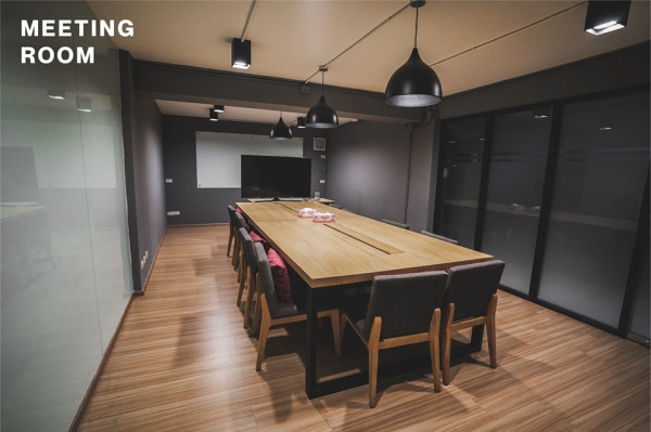 Meeting Room + Co working space