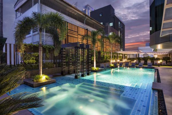 Aqua Bar with Pool View, M floor