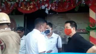 Restaurant Fire: একাদশীর দুপুরে আগুন লাগল মল্লিকবাজারের রেস্তরাঁয়, তিনটি দমকলের চেষ্টায় নিয়ন্ত্রণে
