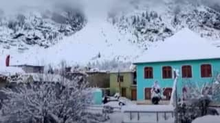 हिमाचल: बर्फबारी से खूबसूरती तो बढ़ी लेकिन जनजीवन अस्त- व्यस्त
