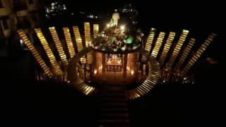 Behala Friend's Club Theme: মানুষকে 'পথ' বাতলে দিচ্ছে বেহালা ফ্রেন্ডস ক্লাব, দিচ্ছে নীতিশিক্ষাও