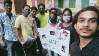 ShahRukh Khan Fans: কঠিন সময়ে কিং খানের পাশে কলকাতা, প্ল্যাকার্ড হাতে ভিডিও পোস্ট ভক্তদের