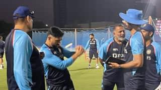 T20 World Cup 2021: বিশ্বকাপে ভারতীয় শিবিরে যোগ দিলেন মাহি