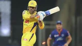 IPL: सहवाग ने धोनी की कुछ यूं की तारीफ! कोहली बोले- बेस्ट फिनिशर की वापसी
