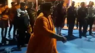 Bhopal: कबड्डी खेलती नजर आईं BJP सांसद प्रज्ञा ठाकुर, कांग्रेस ने पूछा- NIA में अगली पेशी कब?