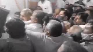 Pratapgarh: Cong और BJP कार्यकर्ताओं की झड़प मामले में कांग्रेस नेता प्रमोद तिवारी समेत 77 के खिलाफ केस