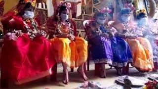 Shobhabazar Kumari puja: এবার ৯০-এ পা শোভাবাজার বটতলা সর্বজনীনের, প্রথা মেনেই সকালে হল কুমারী পুজো