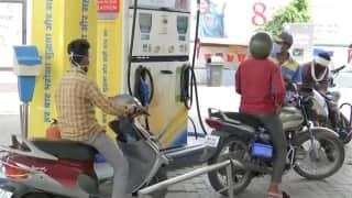 Petrol Diesel price hike in Kolkata: আবারও আগুন পেট্রোল ডিজেল, রোজ নতুন দামের রেকর্ড