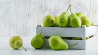 Benefits of Pears: डायट में क्यों शामिल करें मौसमी फल नाशपाती, जानिये इसके 5 कारण