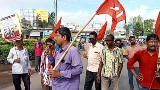Bharat Bandh News: বনধে ভোগান্তি হাওড়ার নিত্যযাত্রীদের, বামফ্রন্ট কর্মীদের অবরোধ তুলল পুলিশ