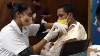 Vaccination Drive: 60 करोड़ से ज्यादा वयस्कों को मिली पहली डोज़, जानें सरकार का 'रोडमैप' !