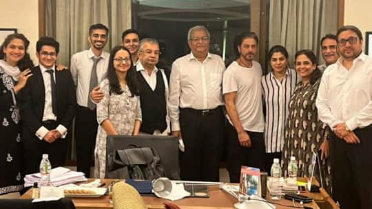 Aryan Khan gets bail: Shah Rukh Khan all smiles in pictures with the legal team