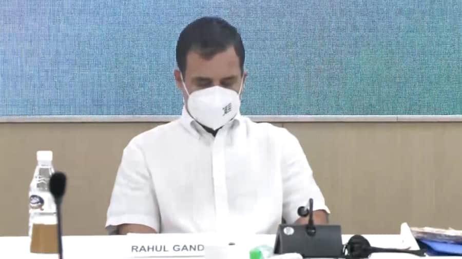 CWC Meeting: राहुल गांधी की नसीहत- लोग चाहते हैं कि कांग्रेस जनता के लिए लड़े, आपस में नहीं