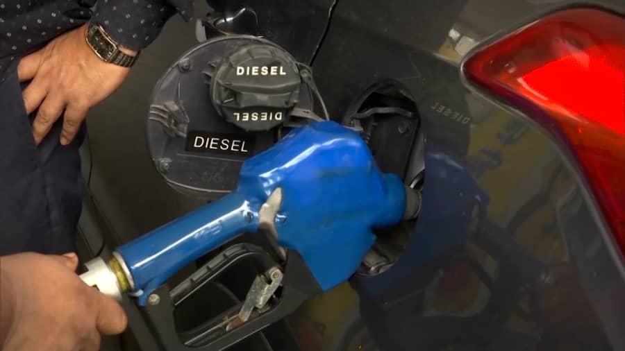 Petrol Diesel: पेट्रोल-डीजल पर महंगाई की मार जारी, जानिए अब क्या हो गई है कीमत