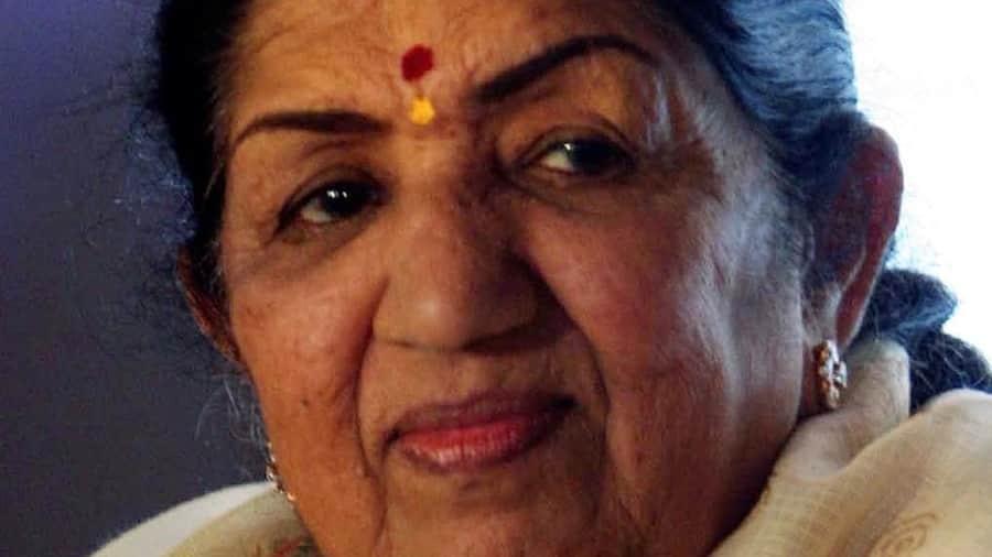 Lata Mangeskar Birthday: শুভেচ্ছায় ভাসলেন বলিউডের 'নাইটিংগেল'। জানেন কি তার কারণ?