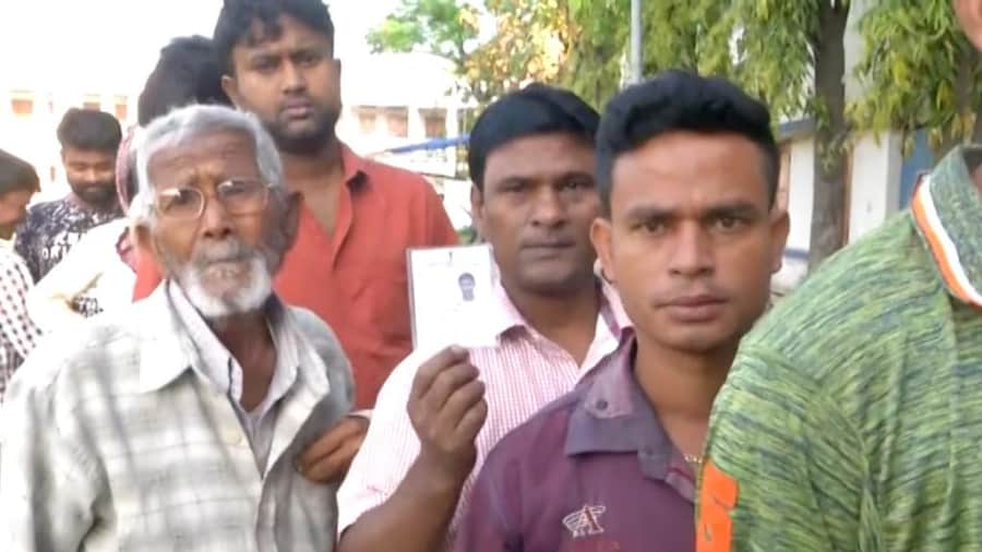 West Bengal Bypoll: অবশেষে রাজ্যের ৪ কেন্দ্রে উপ নির্বাচনের দিন ঘোষণা। কবে কোথায় হবে নির্বাচন? জানেন কি?