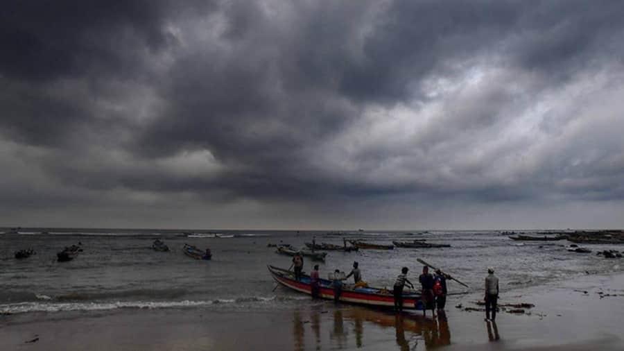 Cyclone Gulab: आंध्र प्रदेशमें 'गुलाब'से तबाही! कृष्णा और श्रीकाकुलम जिले में सामान्य जनजीवन ठप