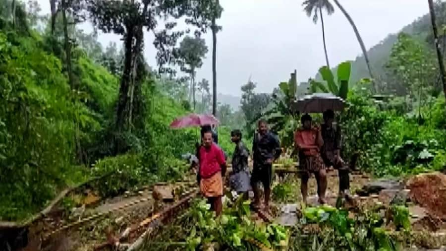 Kerala rain fury kills 6: কেরালায় অতিবৃষ্টিতে মৃত ৬, ক্রমেই জটিল হচ্ছে কেরালার বন্যা পরিস্থিতি