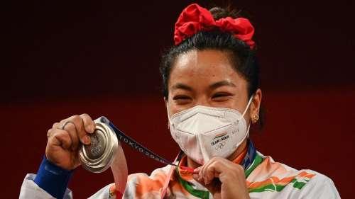 Tokyo Olympic 2020: जानें टोक्यो ओलंपिक में सिल्वर मेडल जीतने वाली मीराबाई चानू के बारे में खास बातें