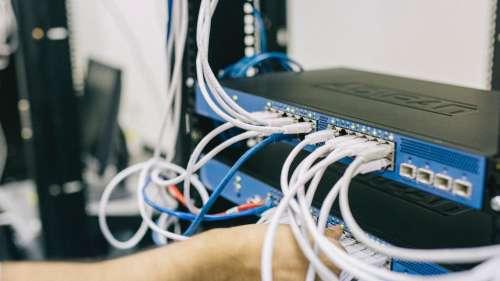 Internet Server Down: সারা দুনিয়ায় প্রায় ৩৩ হাজার ওয়েবসাইটে ধস, চূড়ান্ত দুর্ভোগের শিকার গ্রাহকরা