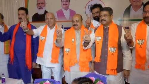 Yediyurappa on Bommai: येदियुरप्पा ने कहा- हम सबने मिलकर बसवराज को चुना है विधायक दल का नेता