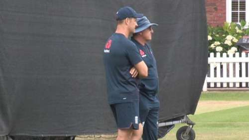 नस्लभेदी टिप्पणी को लेकर विवादों में फंसी इंग्लैंड टीम, एक और खिलाड़ी पर जांच शुरू