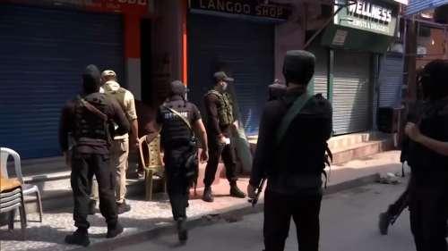 Policeman dies after militants shoot him point blank in Srinagar