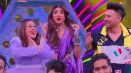 Shilpa Shetty ने नेहा और टोनी के साथ किया 'कांटा लगा' पर डांस