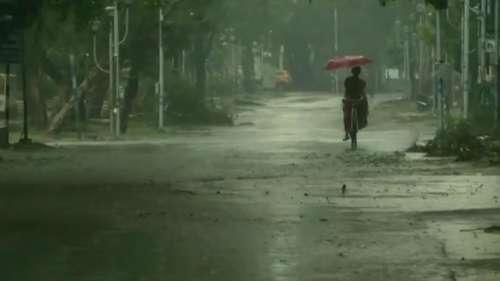 West Bengal weather: বঙ্গোপসাগরে ঘূর্ণাবর্ত, রবি-সোম প্রবল বৃষ্টির পূর্বাভাস