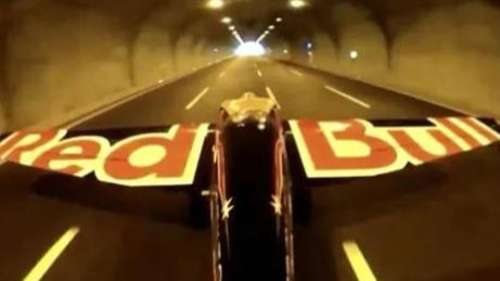 This video of pilot flying through road tunnels will leave you speechless!