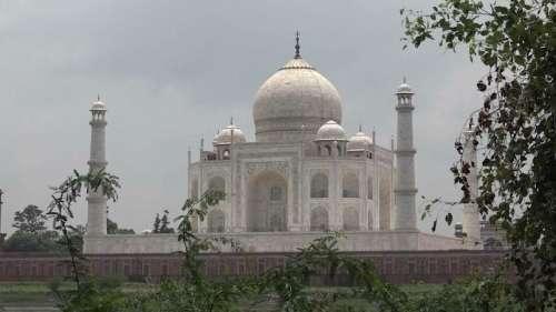 ताजमहल का दीदार होगा महंगा, भारतीयों के लिए ₹250 तो विदेशियों को देने होंगे ₹1300