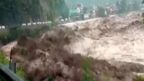 Cloudburst In Jammu Kashmir: किश्तवाड़ में फटा बादल, 4 शव मिले, 40 से ज्यादा लापता