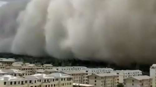 Watch: The great sand wall of China as massive storm strikes city