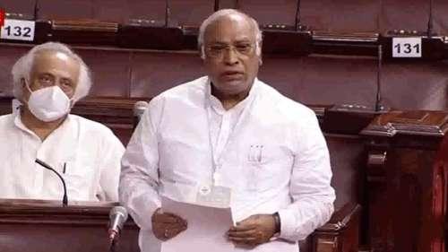 Monsoon Session: कोविड पर खड़गे का PM मोदी पर हमला, कहा- बलि का बकरा ढूंढते हैं प्रधानमंत्री