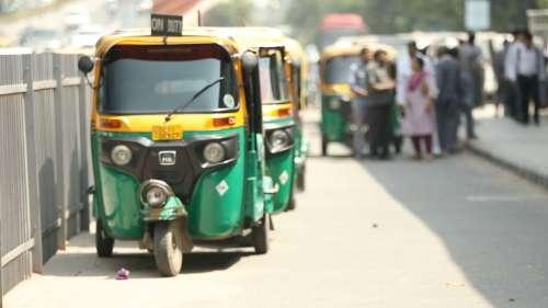 Delhi: Autos become ambulances amid Covid-19 crisis
