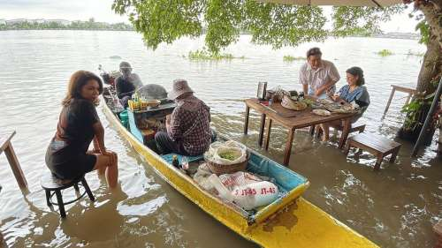 Flood dining? Adversity turns into opportunity for restaurant in Thailand
