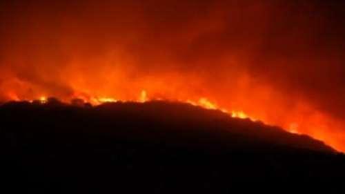 On camera: fires ravage Italian island of Sardinia, 400 people evacuated