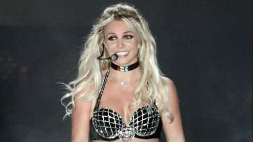 Britney Spears says she won't perform while her father controls her career