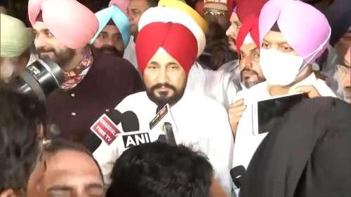 Punjab: सोमवार सुबह 11 बजे होगा चन्नी का शपथ ग्रहण, राज्यपाल से मुलाकात के बाद बोले- पूरी पार्टी साथ